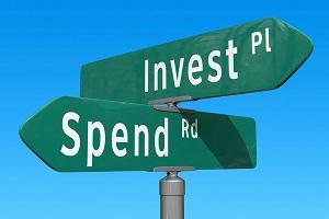 https://erreese.com/wp-content/uploads/2013/10/spend-or-invest.jpg